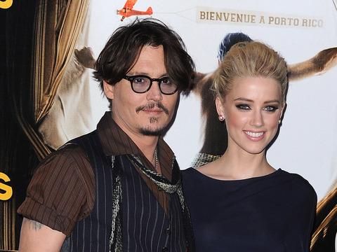 Johnny Depp Buys $50K Christmas Gift for GF Amber Heard!