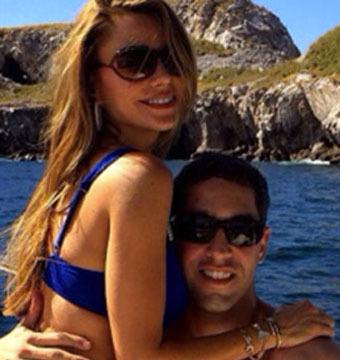 Pic! Sofia Vergara Flaunts Figure in Thong Bikini