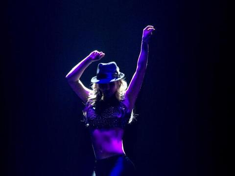 Britney Spears' at 'Piece': Previews Las Vegas Show, Tweets Excitement