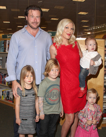 Tori Spelling Still Gushing About Her Happy Family Amid Cheating Rumors