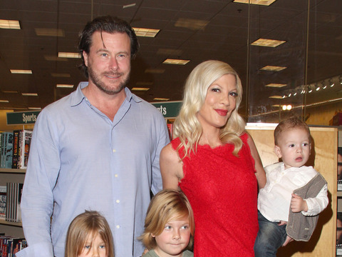 Report: Tori Spelling Fears Going Broke If She Divorces Dean McDermott