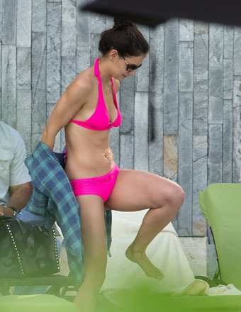 Pics! Katie Holmes Rocks Hot Pink Bikini in Miami
