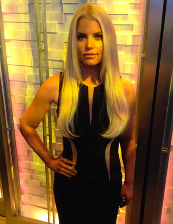 Jessica Simpson Shows Off Sexy Bod, Says Weight Watchers Is a 'Lifestyle'