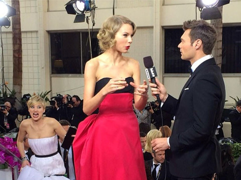Wacky Golden Globe Moments: Photobombs, Makeouts and Brazilian Waxing?!