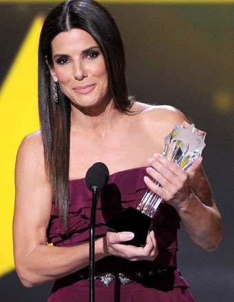 Sandra Bullock Drops Epic F-Bomb at the Critics' Choice Awards!