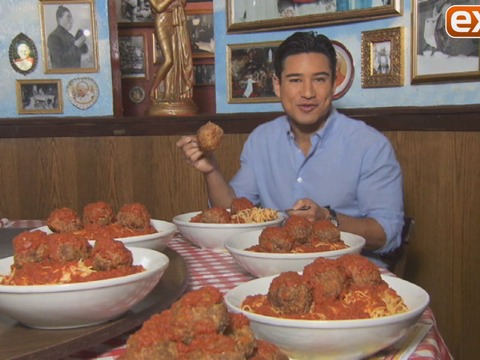 Mario Lopez Joins Buca di Beppo and Sofia Vergara in Chowing Down for Charity