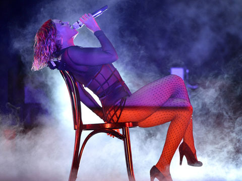 Video! Beyoncé Is Slimmed-Down and Sexed-Up for Grammy Opening Number