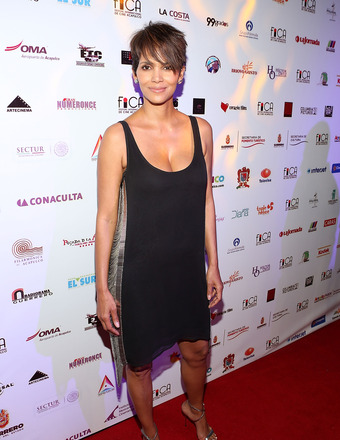 Hot Mama! See Halle Berry's First Post-Baby Red Carpet Appearance