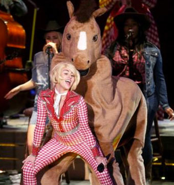 Miley Goes Country for 'MTV Unplugged,' But Still Twerks on Madonna and a Horse