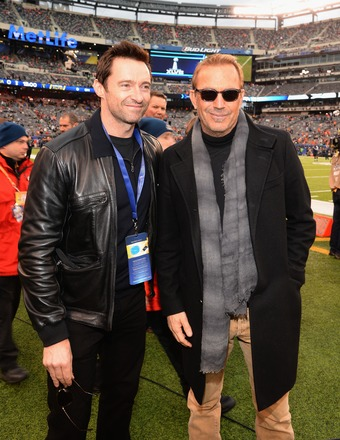 'Extra' Talks to Stars at Super Bowl About Philip Seymour Hoffman's Death