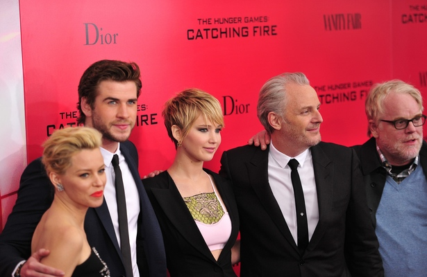 'Hunger Games' Star Elizabeth Banks in Shock over Losing Co-Star Philip Seymour Hoffman