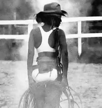 Video! See Beyoncé as Sexy Cowgirl in Kanye Remix of 'Drunk in Love'