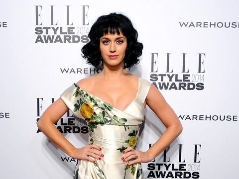 Extra Scoop: Katy Perry's Ring Sparks Continuing Engagement Buzz