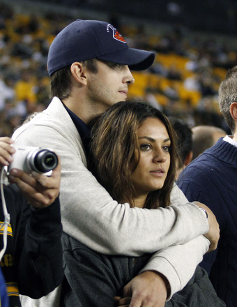 Report: Ashton Kutcher and Mila Kunis Engaged… See the Ring!