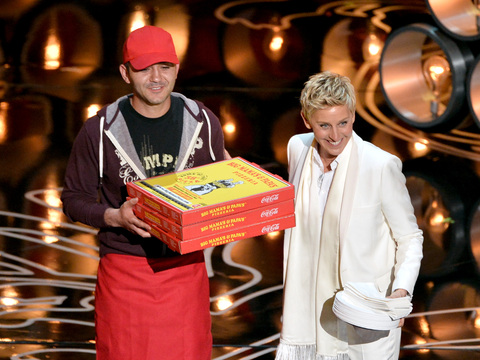 Ellen DeGeneres Gives Pizza Guy a $1,000 Tip!