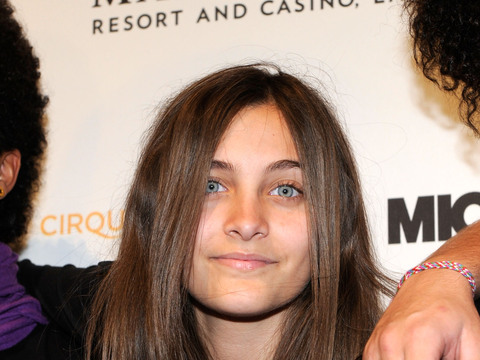 Wild Video! Paris Jackson Claims Nanny Would Sneak Into Michael's Bed