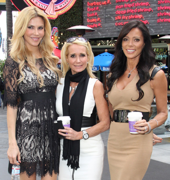 'Real Housewives' Star Rushed to Hospital After Passing Out in Restaurant