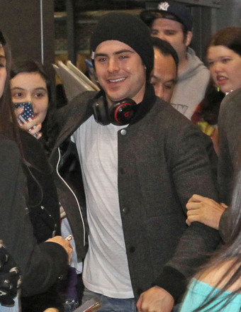 Zac Efron arrived to the airport in Austin, Texas for the SXSW Film Festival.