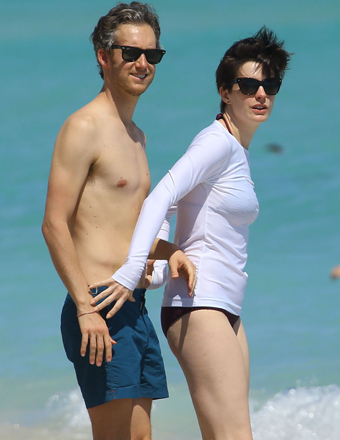Anne Hathaway and husband Adam Shulman enjoyed a day on the beach in Miami.