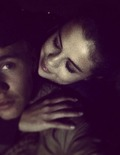 Extra Scoop: Justin Bieber Serenades Selena Gomez… Is Jelena Back?