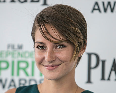 Extra Scoop: Shailene Woodley Disses 'Twilight' Romance
