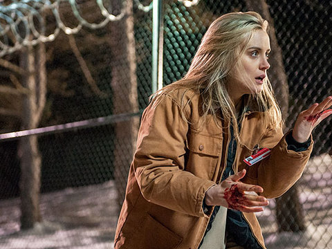 First Look at 'Orange Is The New Black': Is That Blood on Piper's Hands?