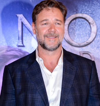'Noah's' Tidal Wave of Controversy: Did the Pope Shun Russell Crowe?