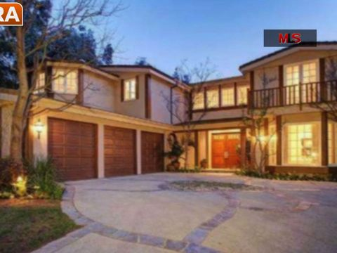 Star Real Estate: Zac Efron, Billy Joel Put Homes on the Market