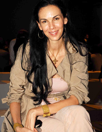 L'Wren Scott Suicide: Did a Blind Item Gossip Column Predict Her Death?