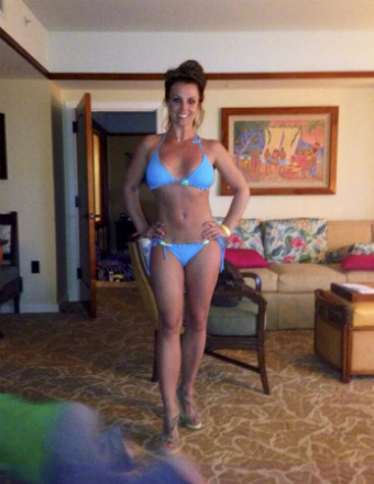 Wowza! Britney Spears Looks Incredible in New Bikini Pics