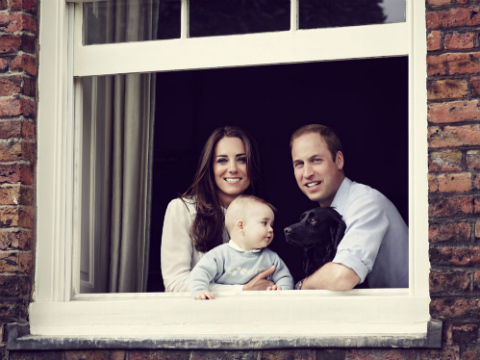 Royal Family Photo! Prince William, Kate Middleton and Baby George