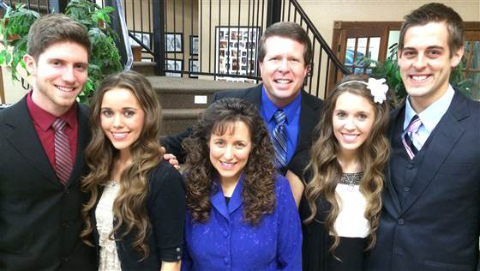 '19 Kids and Counting': Jill Duggar Finds Love Online?!