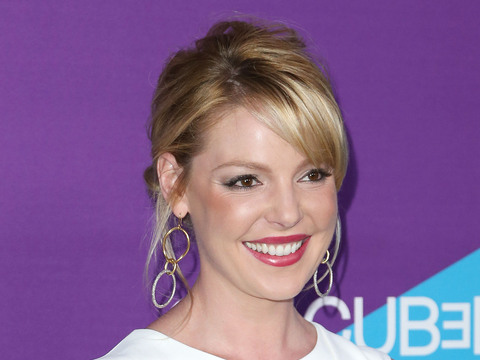 Extra Scoop: Katherine Heigl Suing Drugstore Chain
