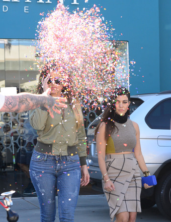 Pic! Khloé Kardashian Gets Confetti Thrown in Her Face