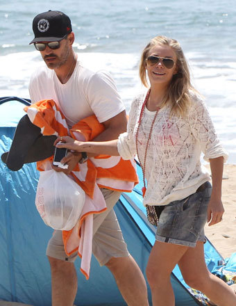 Eddie Cibrian and LeAnn Rimes enjoyed a beach day in Ventura with his sons Mason and Jake.