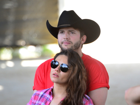 Baby Bump Watch! Ashton Kutcher Cradles Mila Kunis' Belly at Music Festival