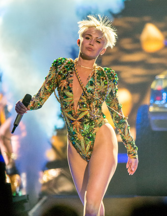 Miley Cyrus Opens Up About Her 'Really Scary' Allergic Reaction