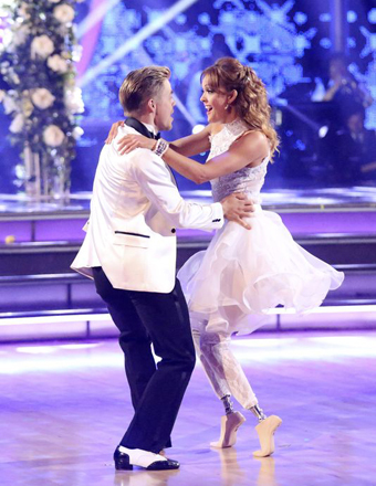 'Dancing with the Stars': Amy Purdy Rushed to Hospital