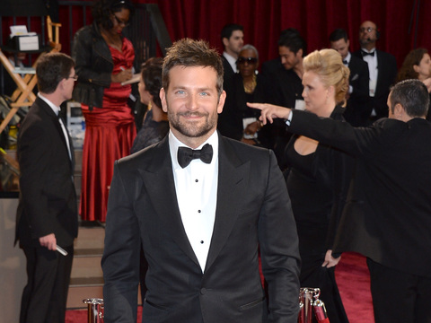 Wow! Bradley Cooper Gained Weight, Looks Beefy in New Pic