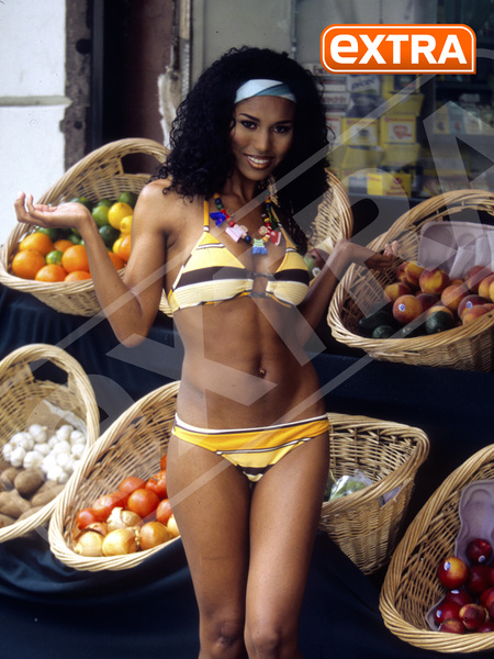 Exclusive Pic! Donald Sterling's Ex GF V. Stiviano in a Bikini