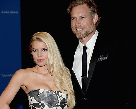 Jessica Simpson Shows Off Hot Bod As Wedding Date Nears