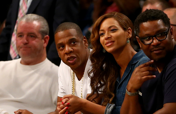 Pic! Jay Z and Beyoncé Look Relaxed Despite Leaked Video of Solange Knowles' Attack