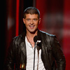 Robin Thicke Working Hard to Get Paula Patton Back
