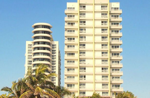 The James Royal Palm in Miami Is All About Location, Location, Location!