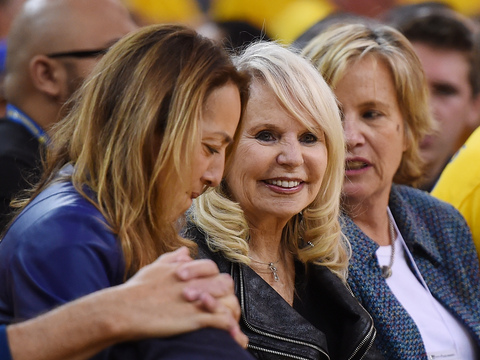 Report: Donald Sterling's Wife Takes Control of L.A. Clippers, Negotiating Sale