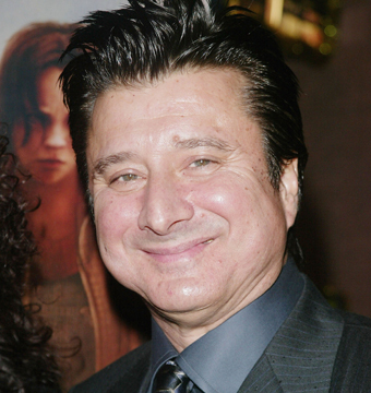 Video! Journey's Steve Perry Returns to the Stage After 20 Years