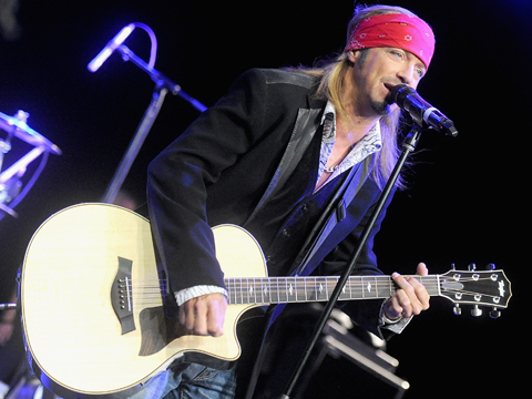 Bret Michaels Suffers Medical Scare Mid-Concert