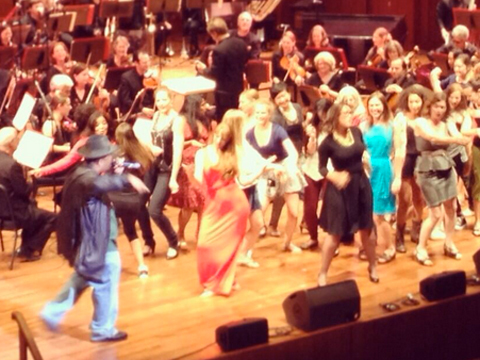Viral Video: Sir Mix-A-Lot Performs 'Baby Got Back' with Seattle Symphony