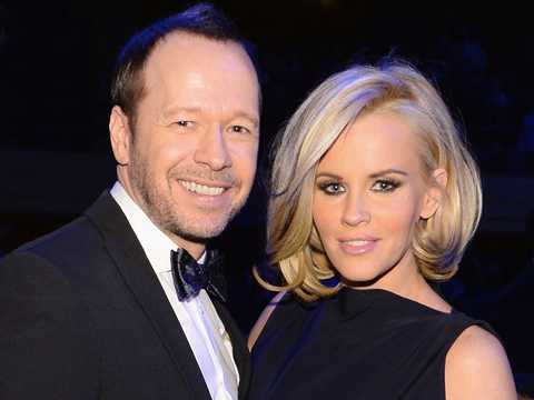 Jenny McCarthy and Donnie Wahlberg Talk Wedding Plans, Applebee's and Kimye