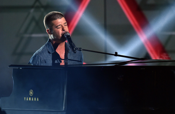 Robin Thicke Makes Another Heartfelt Plea to Paula Patton